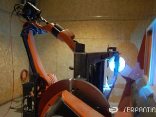 MIG suvirinimo robotu kompleksas
