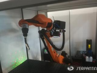 Mobili robotizuota suvirinimo celė