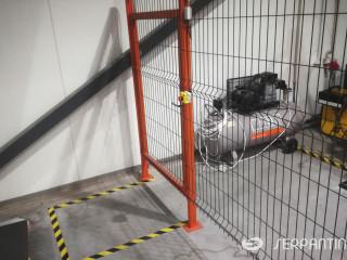 Robotizuota stacionari suvirinimo celė